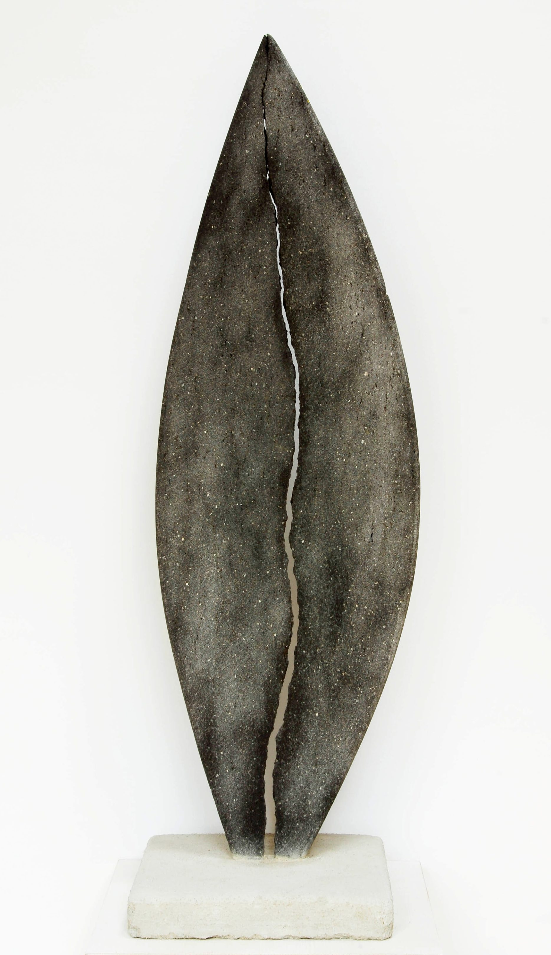 Objekt 0,80 x 0,30m – Basalt (2013)